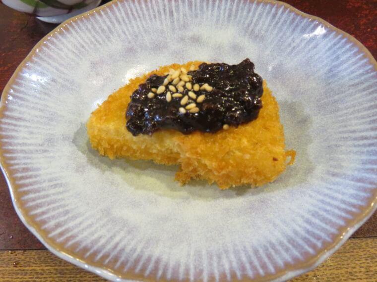 宗よし(むねよし)まぐろ三色丼と心臓のバター焼セット