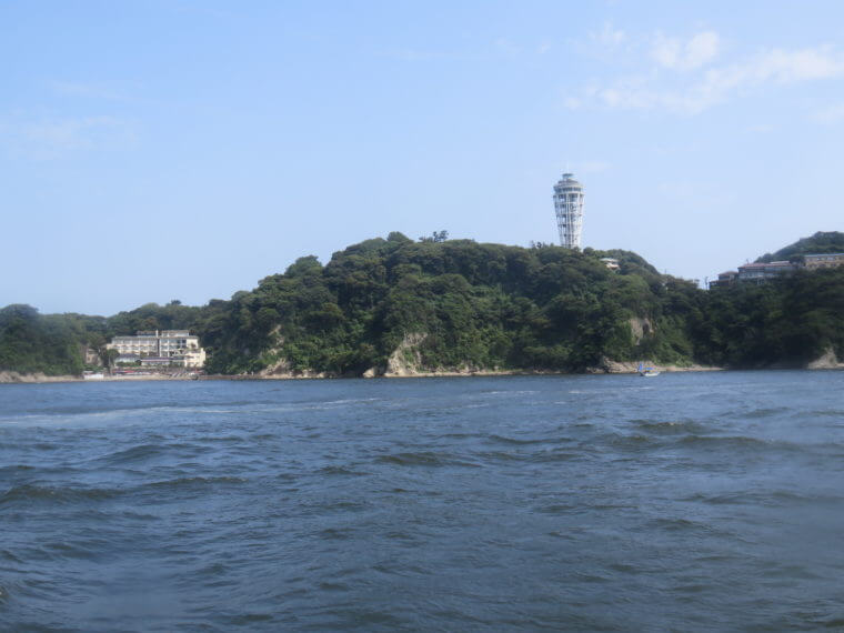 葉山マリーナ 江ノ島・裕次郎灯台周遊クルージング